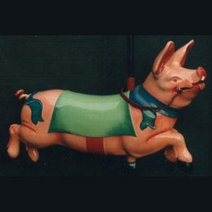 Cochon sculpté en bois